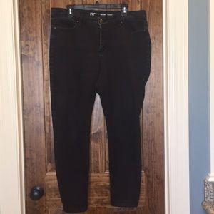 Crown & Ivy black skinny jeans size 16